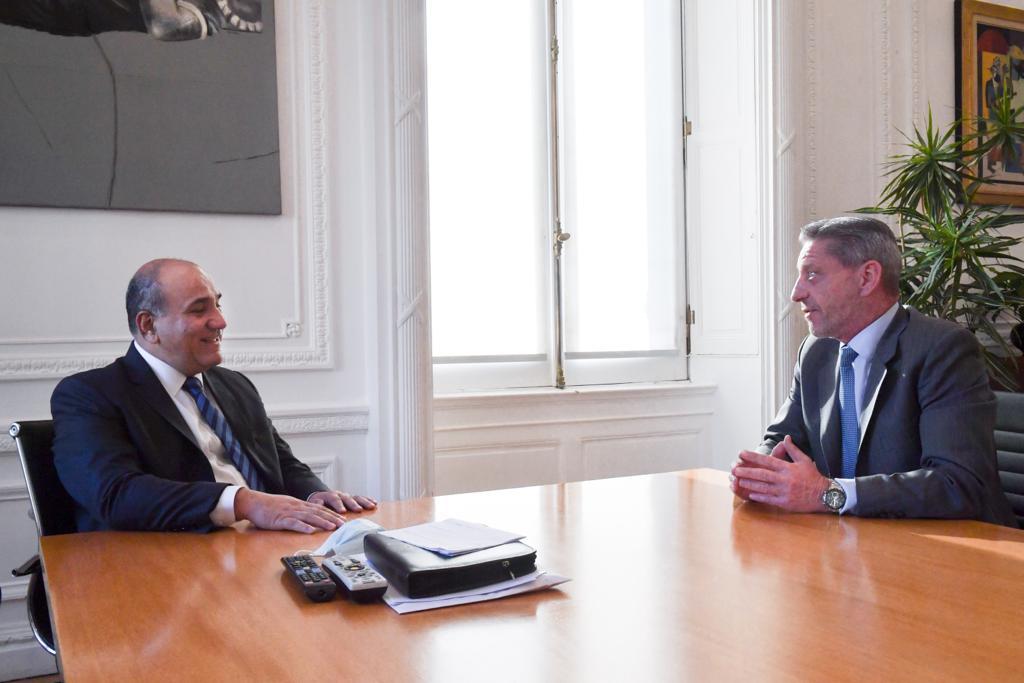 Gobernador Arcioni manzur