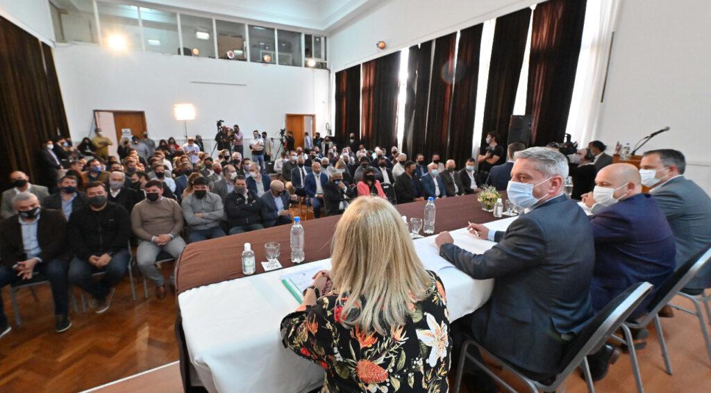 Arcioni presentó los alcances del proyecto de Ley de Reparación Histórica